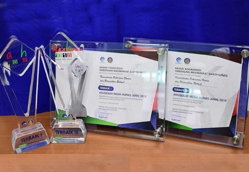 Kementerian PUPR Raih Dua Penghargaan Anugerah Media Humas 2018