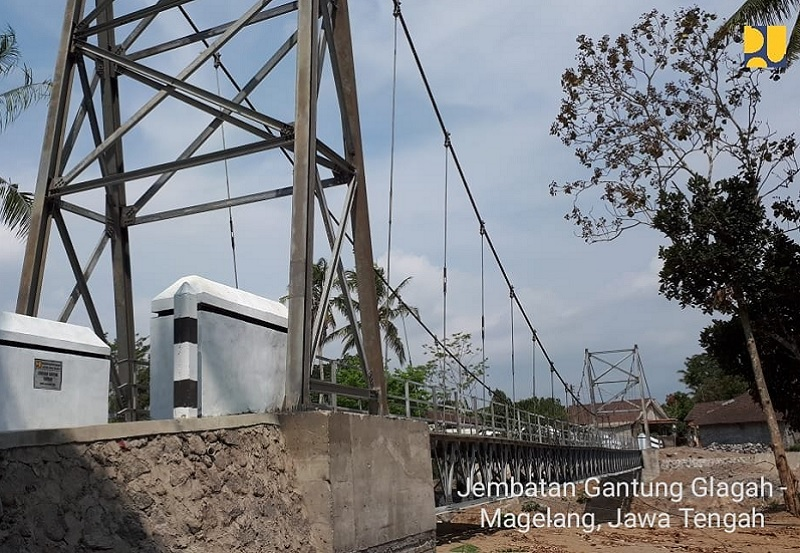 Tingkatkan Konektivitas Antardesa, Kementerian PUPR Bangun 134 Jembatan Gantung Tahun 2018